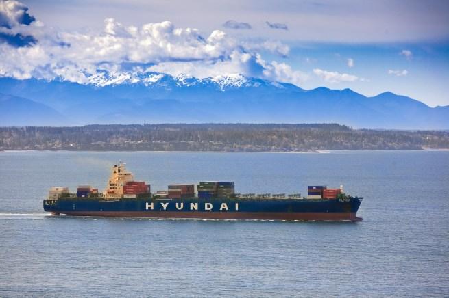 Ships 1000 Feet Yacht Photography
