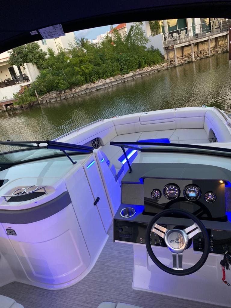 Sport Boat Sundancer