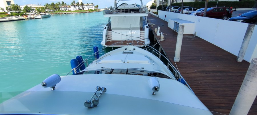 Bunk of Nuvaris 60ft 61 62 63 64 65  yacht for rent in Cancun