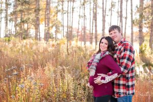 shoreview-minnesota-fall-maternity-field-pines