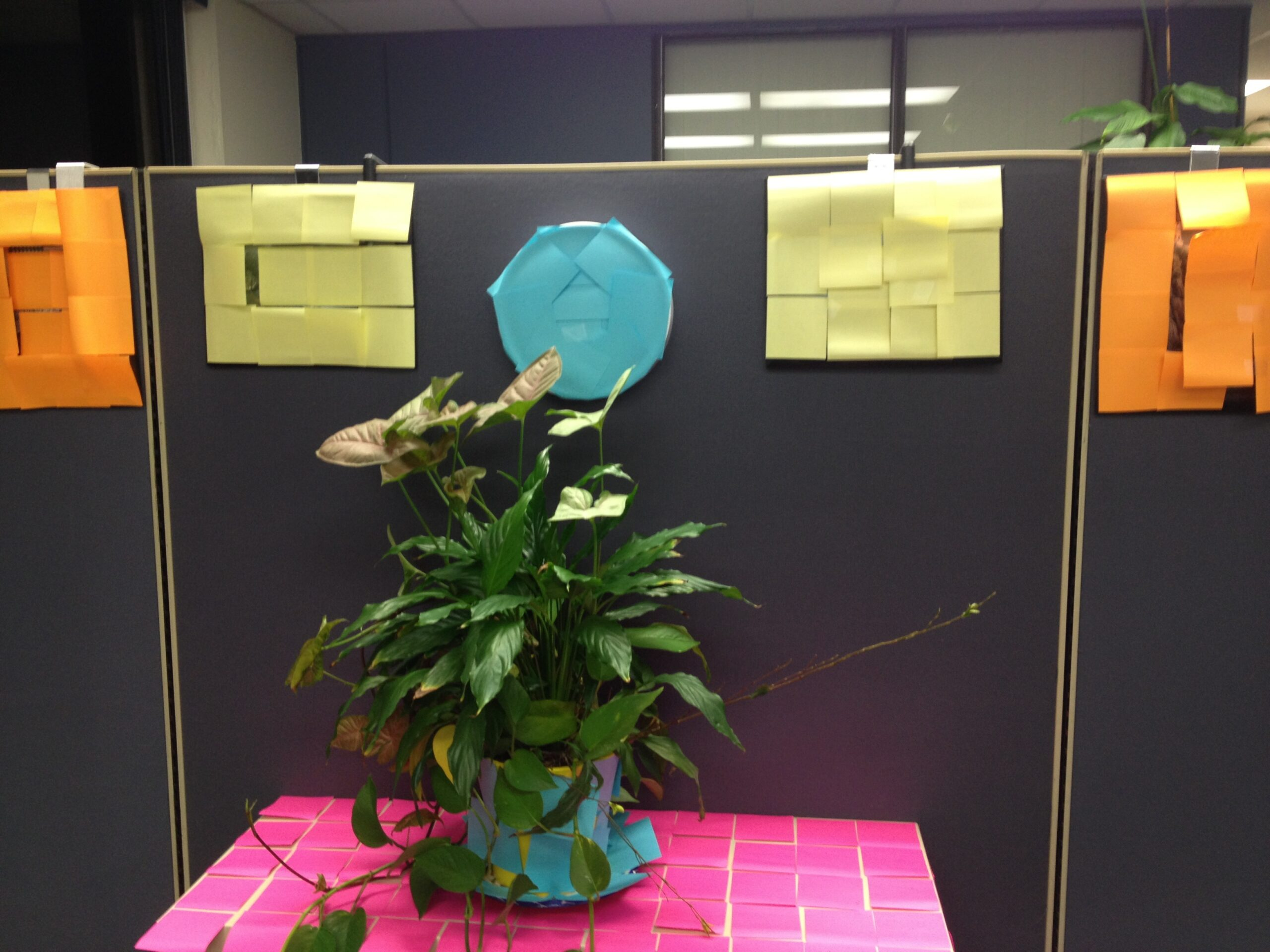 decorate an office with post-its