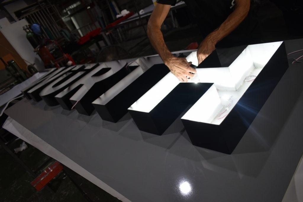 Fabricaci n de letras corp reas bobet canarias - Fabricacion letras corporeas ...