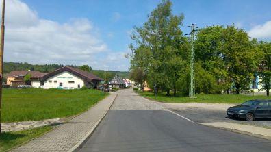 Droga do dworca kolejowego w Rybniste