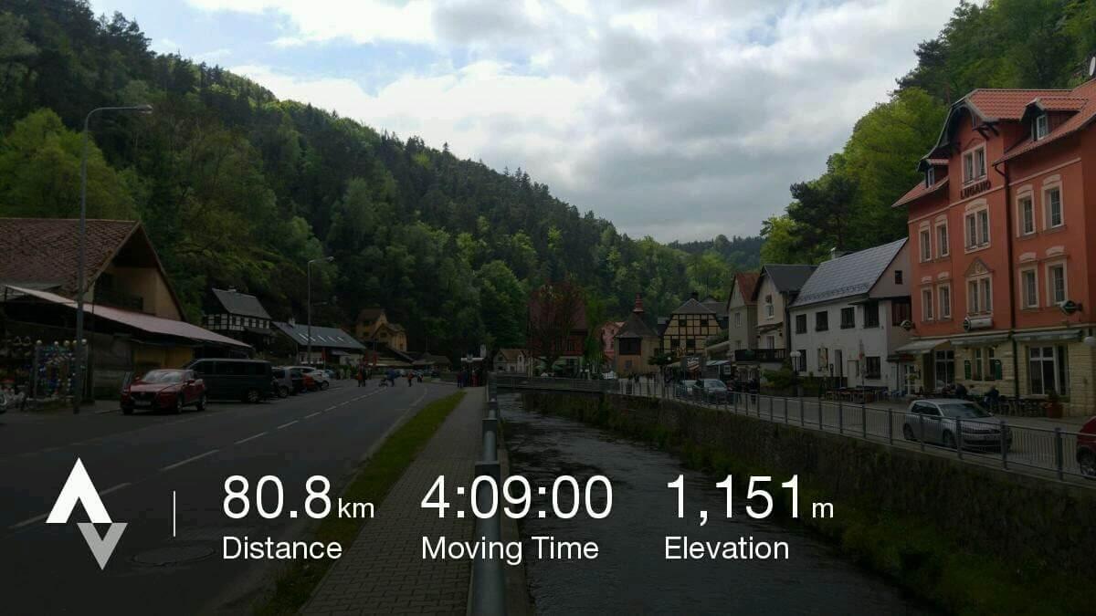 miasteczko Hřensko znałożoną warstwą danych
