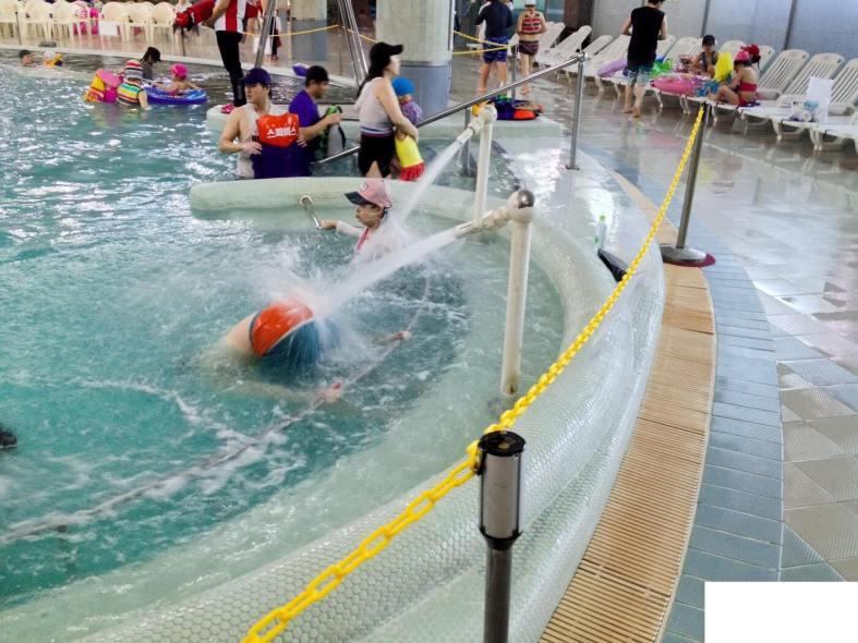 Asana Spavis Bade Pool 2