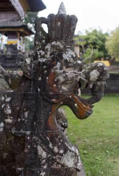 Dragon-Head-Statue