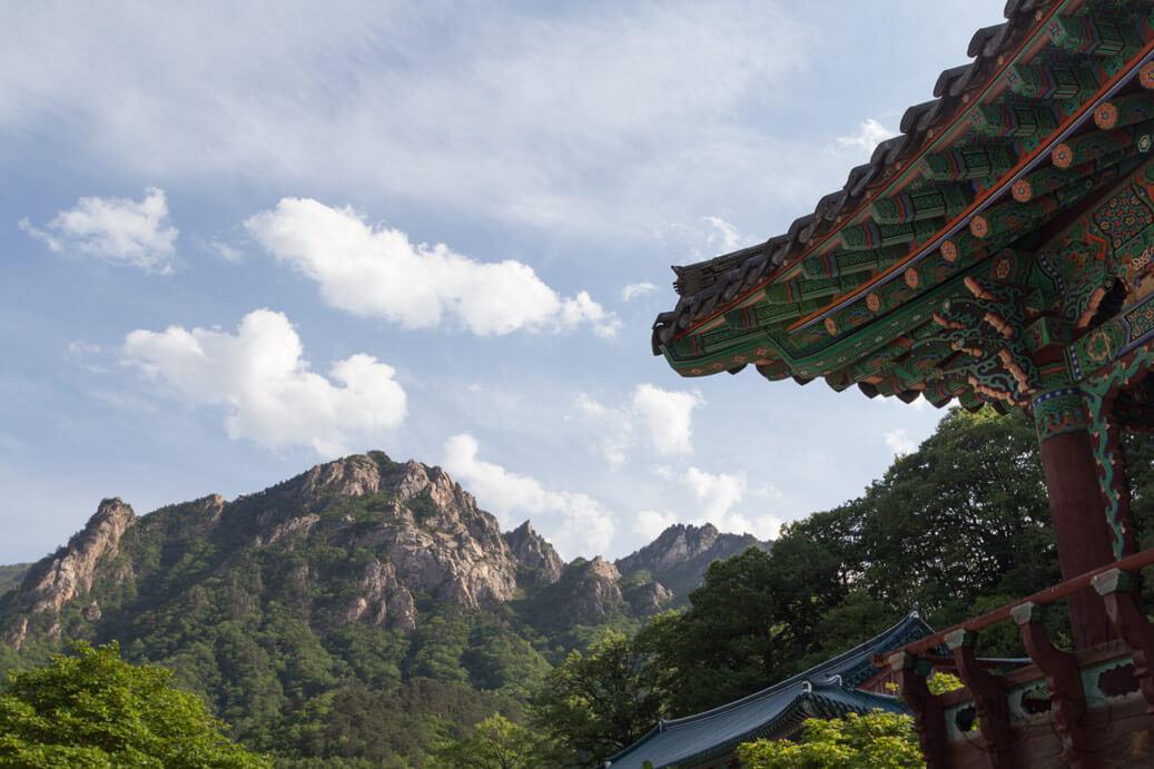 Sinheungsa Temple at Seoraksan
