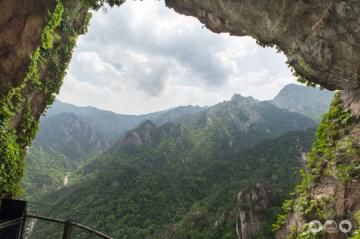 Overlooking Seoraksan from Geumganggul Cave