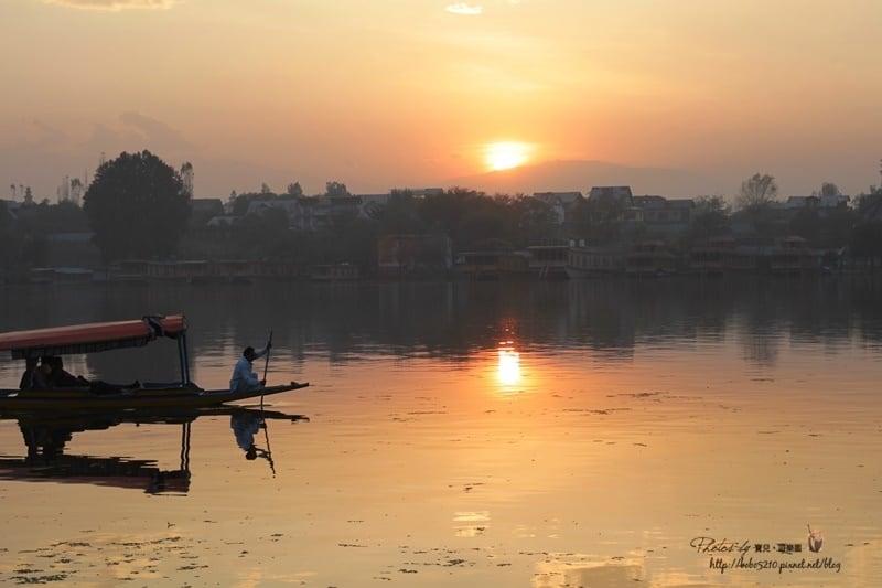【印度-喀什米爾Kashmir】Day4-2 斯里納加,達爾湖。在船屋上盡情地擁抱夕陽吧!