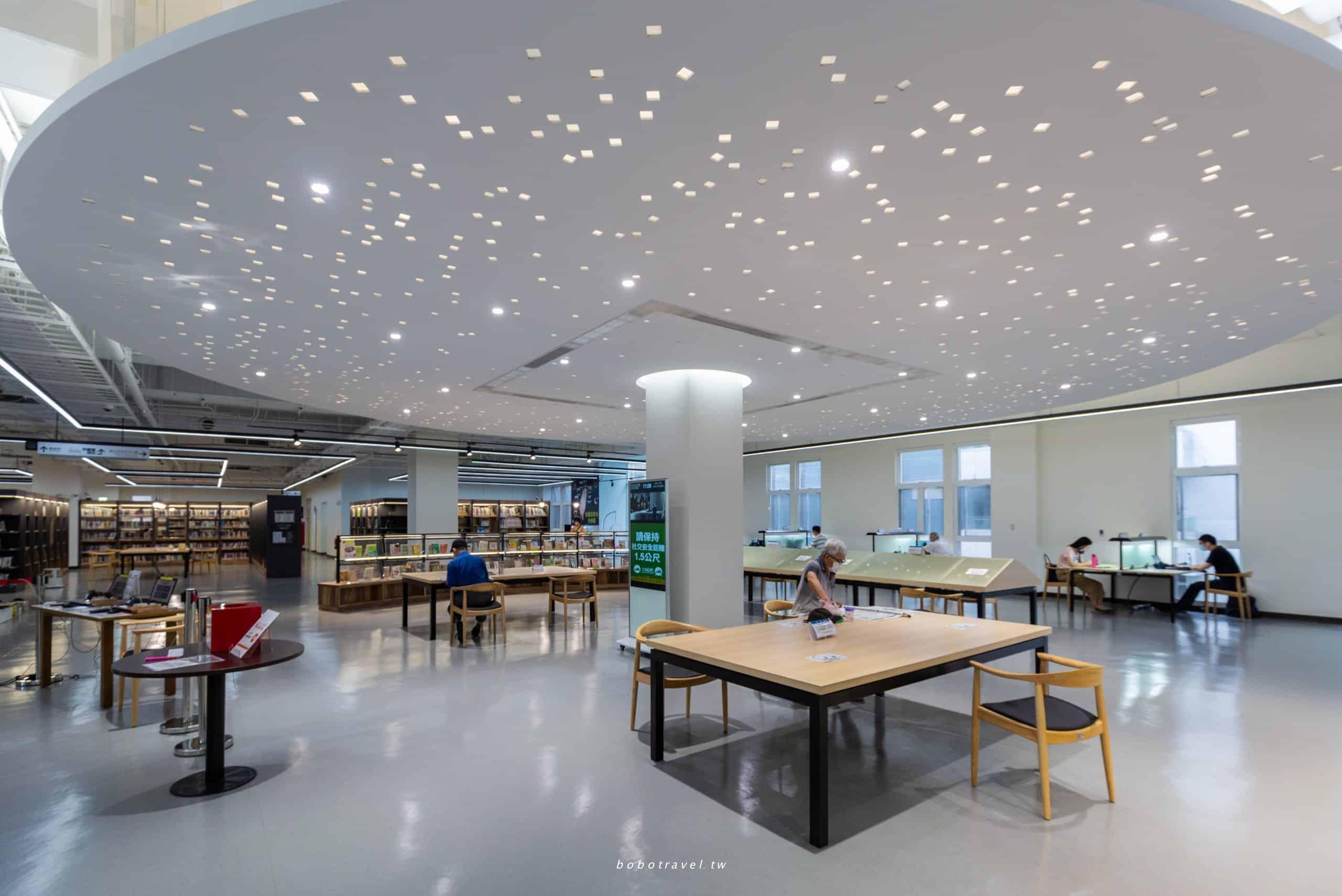 新北市立圖書館樹林分館|比咖啡廳還美!星空閱讀區、網美鞦韆、可以在吊床上看書的度假風圖書館