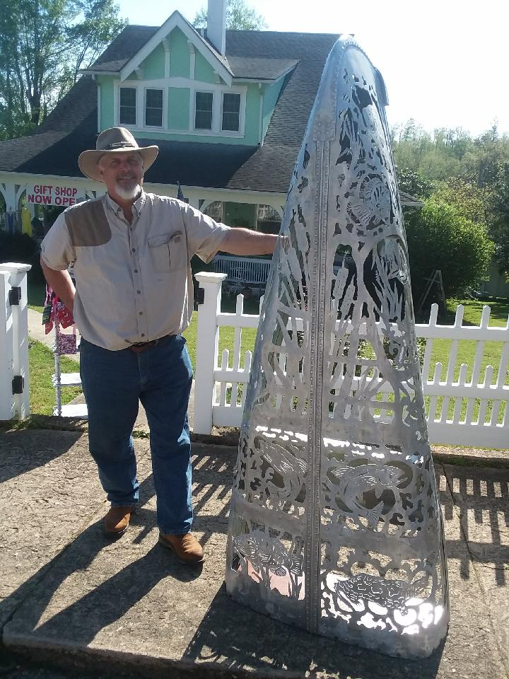 Bob Parker Fine Metal Art | Displaying Canoe Metal Art Creation at Eminence, Missouri