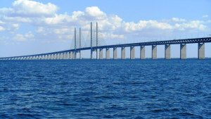 Greens metaphor: Oresund Bridge between Sweden and Denmark
