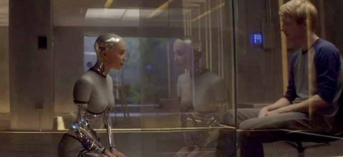 Ex-Machina: Instinto Artificial (2015)