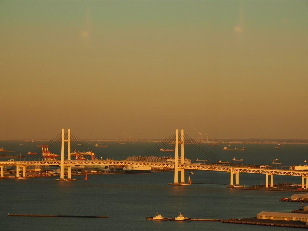 夕景 横浜ベイブリッジ