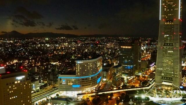 横浜みなとみらいの夜景