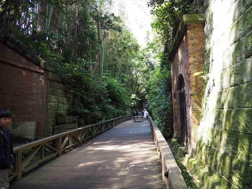 猿島露天掘り幹道
