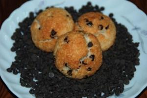 Biscotti al cocco e gocce di cioccolato fondente