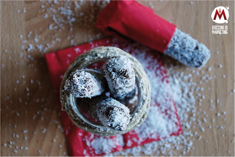Salamini al cioccolato con scorzette di cocco