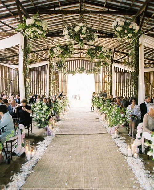 Planning Barn Weddings Tips Amp Facts That Ll Keep You Up