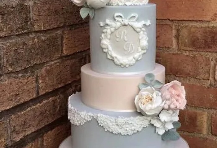 Vintage Wedding Cakes A Touch Of Unexpected Romance And Glam