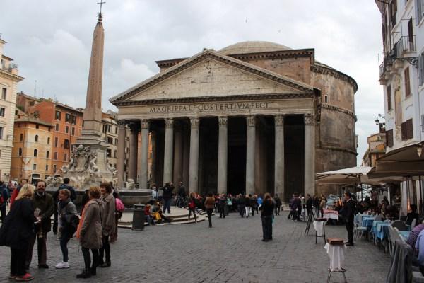 Phanteon - et tempel bygd til ære for alle guder i antikkens Roma