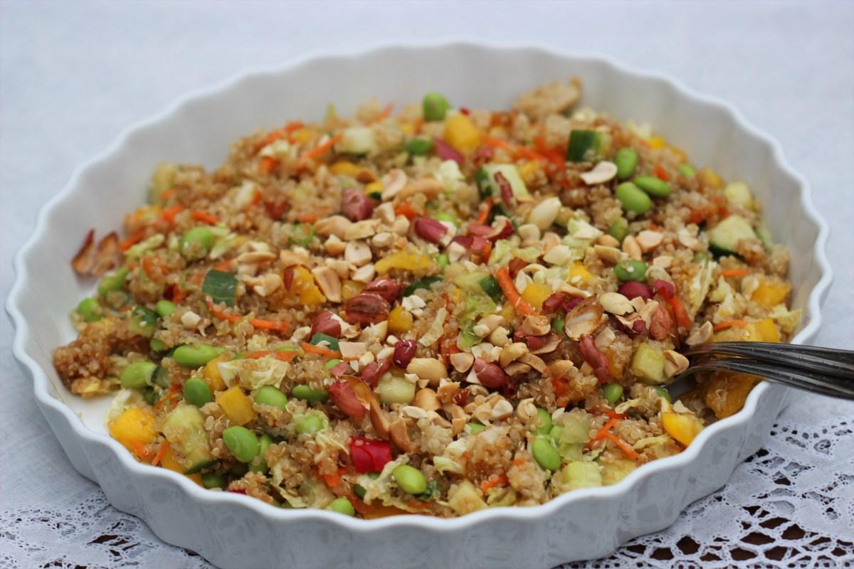 Asiatisk quinoasalat