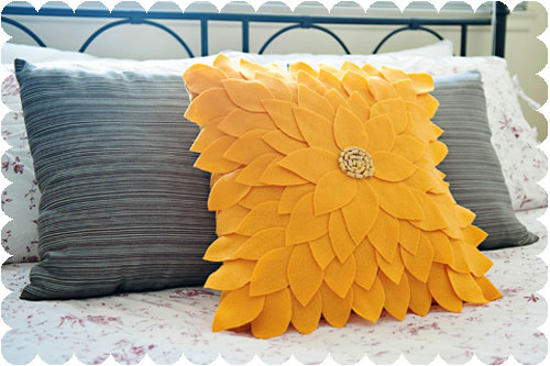 DIY-Sunflower-Petals-Throw-Pillow copy