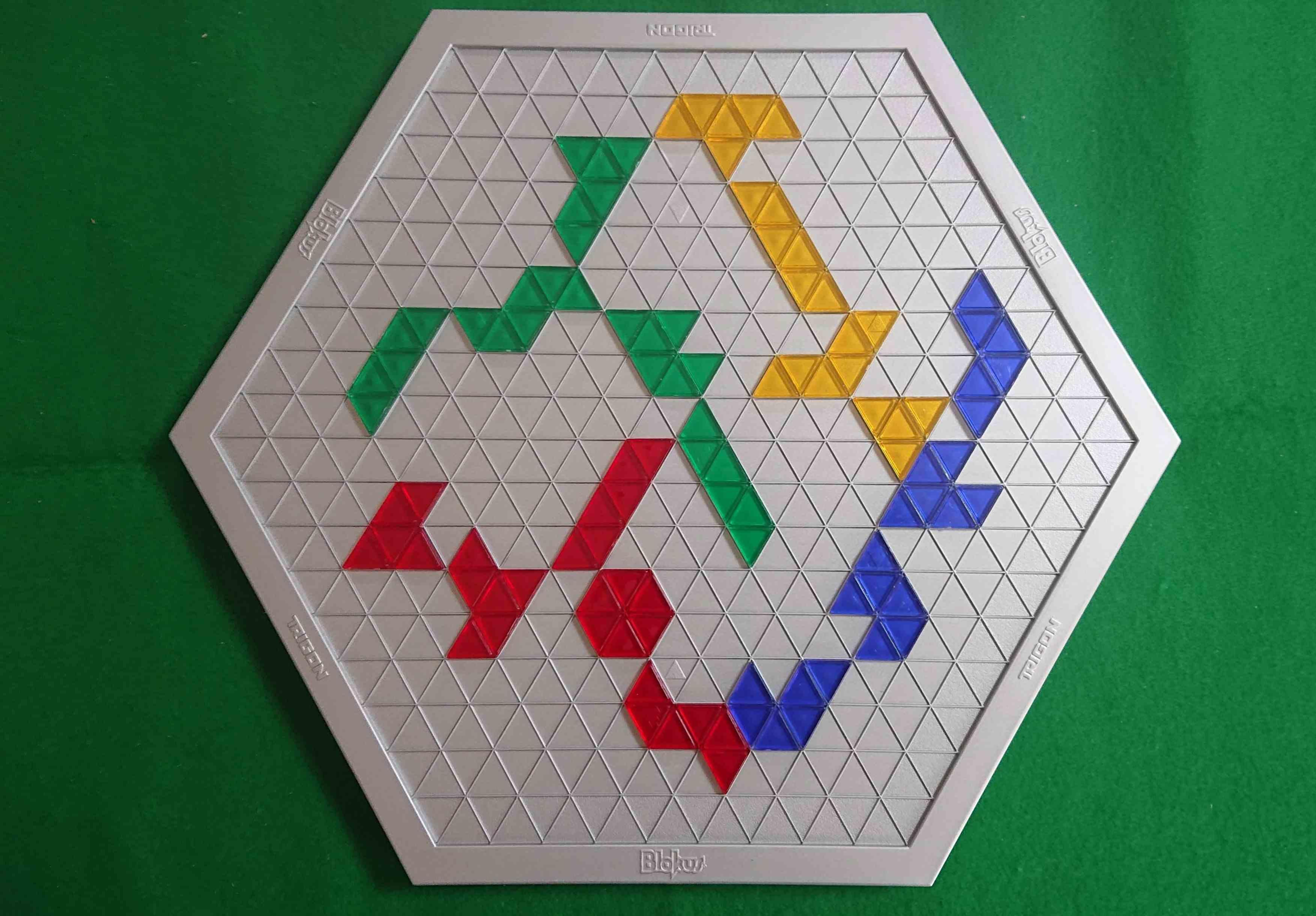 ブロックストライゴン 本家の名作「ブロックス」より面白いかも!? 傑作ボードゲーム