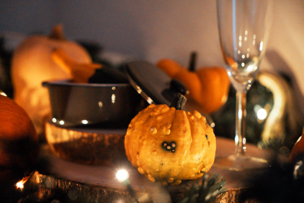 Fall decorations - thanksgiving - table set - halloween - from usa - bodyandfly