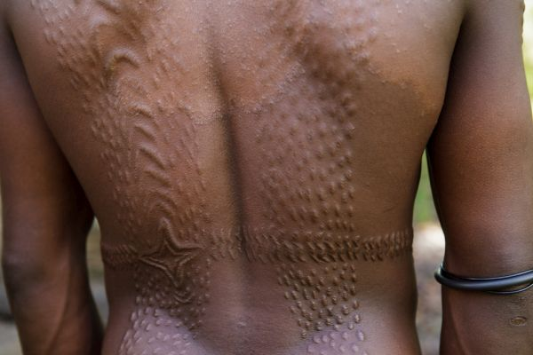 alligator type marking on the bodies of Sepik River tribe