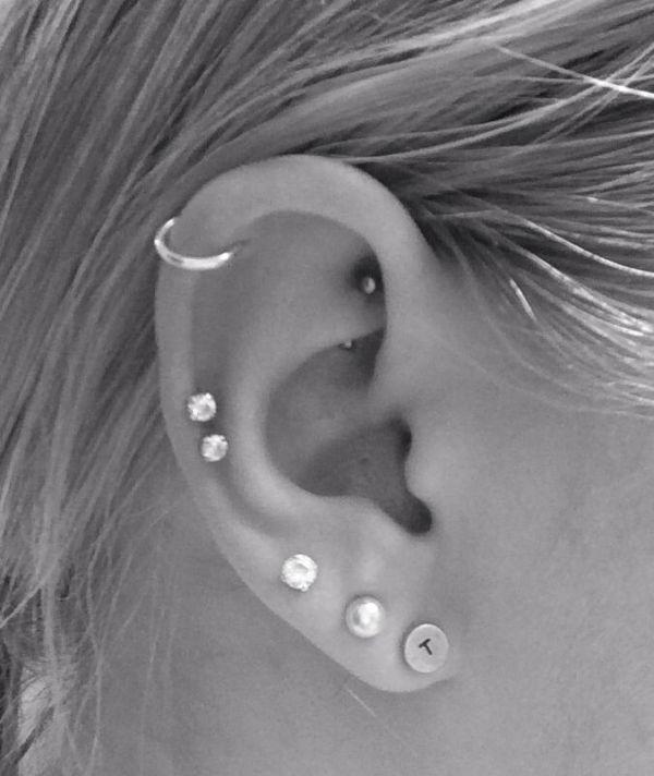 Helix piercing (1)