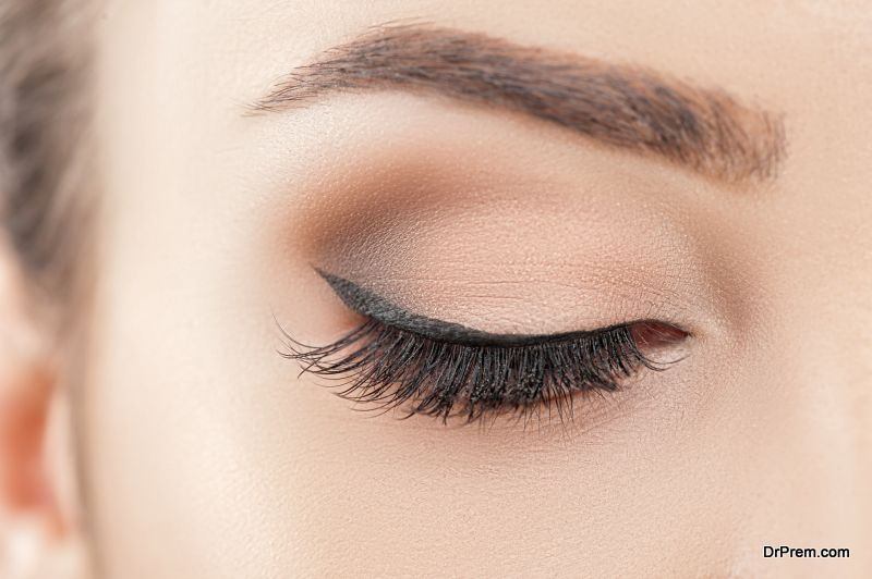Natural Ways To Grow Thicker Eyelashes