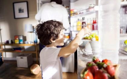 Wenn Eltern mit gutem Beispiel vorangehen, können auch Kinder lernen, gesund zu essen.