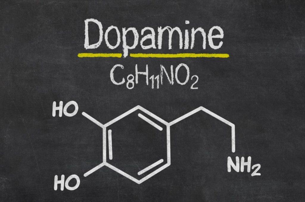 O que causa a diminuição de dopamina?