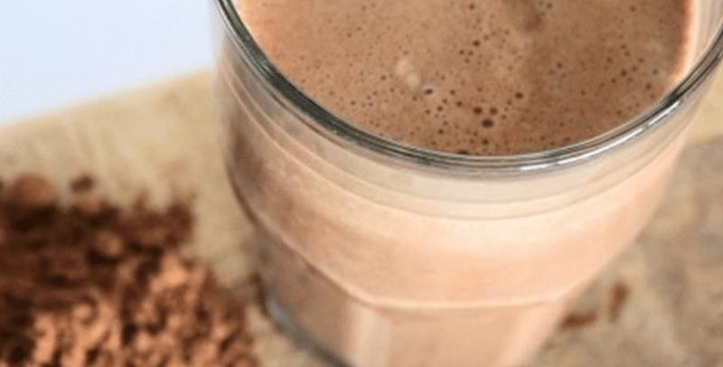 Shake de Cappuccino Proteico com whey Vanilla Protein e Chocobon