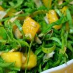 Salada de Couve com melão, frango e batata doce