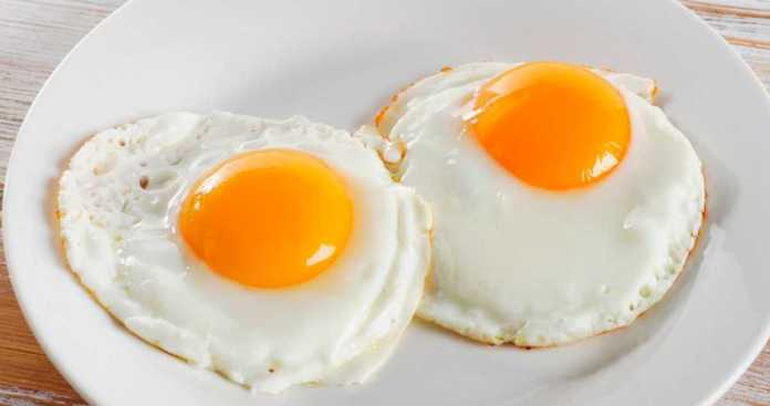 How to fry an egg without oil or butter