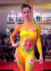 Bodypainting Flowers 1