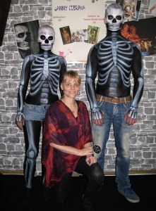 Halloween-Bodypainting-Skelette