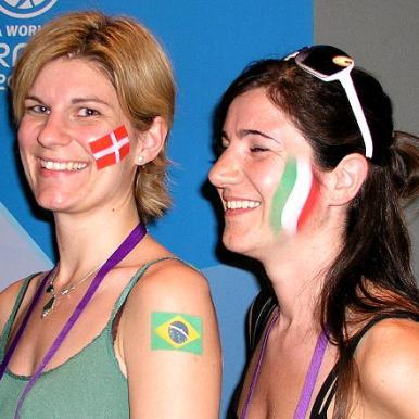 Fanschminken Fussball Flaggen Tattoos
