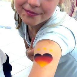 Fanschminken Fussball Airbrush Tattoo zur Fußball-WM