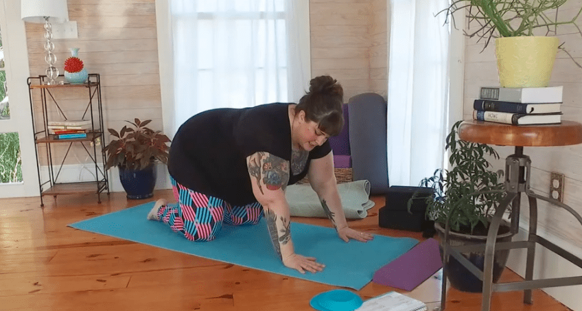 Dealing with wrist & knee pain in yoga