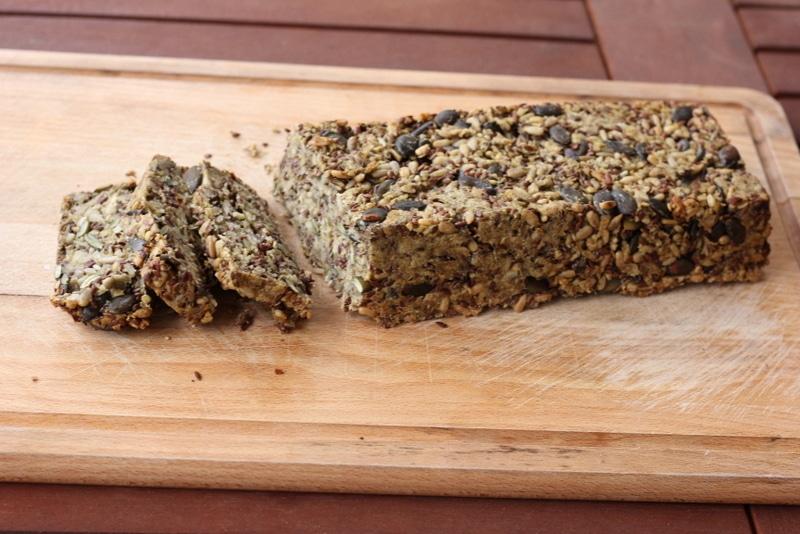 Ein Rezept für das gesündeste Brot der Welt - ohne Mehl.