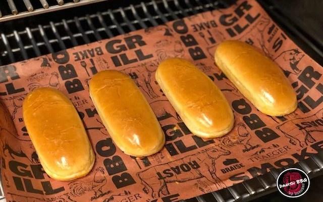 Burger- / Hot-Dog Buns- den nemme og hurtige Opskrift
