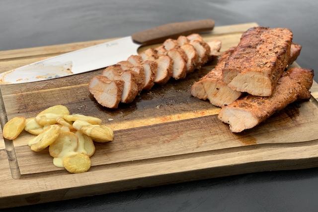Grillraketter skåret ud med Skivekartofler og hjemmerørt Sauce Bearnaise