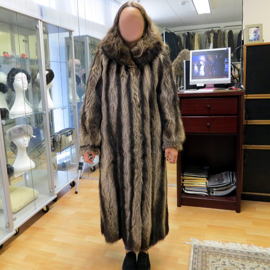 Waschbär Mantel ausgelassen