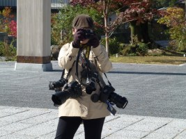 Pemandu Abby - berbagai Camera mahal bergantungan