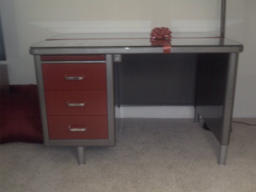 Jr. Executive Tanker desk with clear coated metal and red highlighted drawers