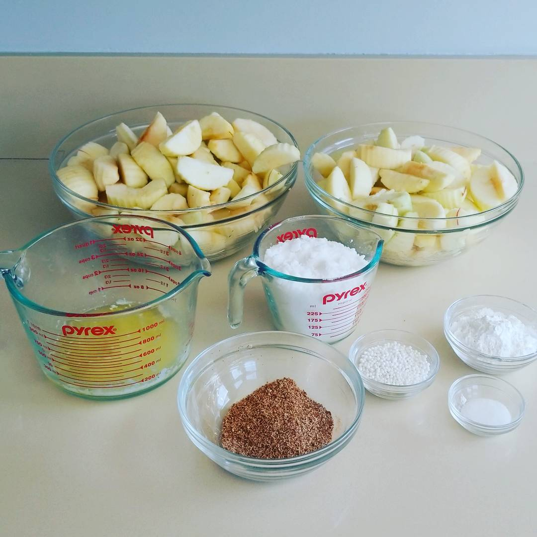 Mise en place for two apple pies 🍎🍎
