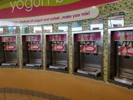 Menchies in Eagle Rock (interior)